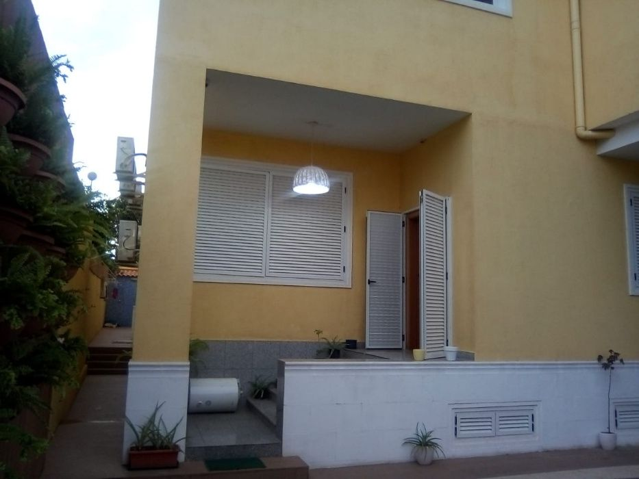 Arrenda Apartamento T4+1 C/, Piscina Privativa Edifício RC Talatona