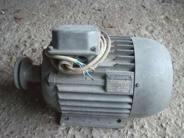 Motor electric 220-380V 0,75KW 50 HZ 690rot/min NOU