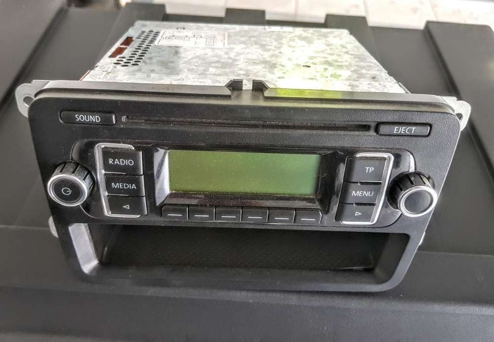 Radio cd original golf 6 pollo jetta după 2009