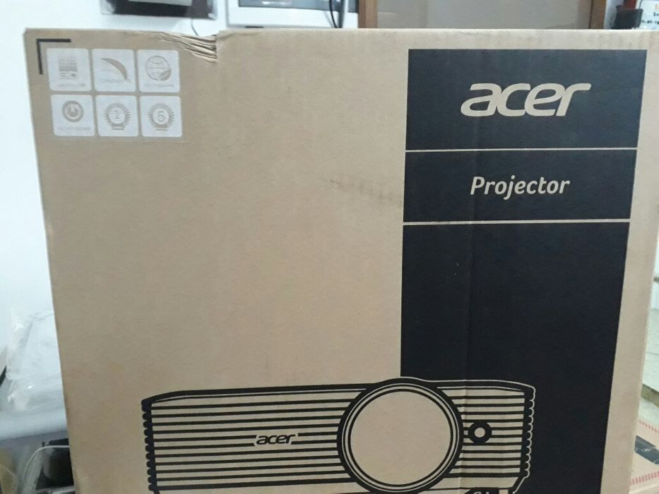 Projector Acer X118 DLP