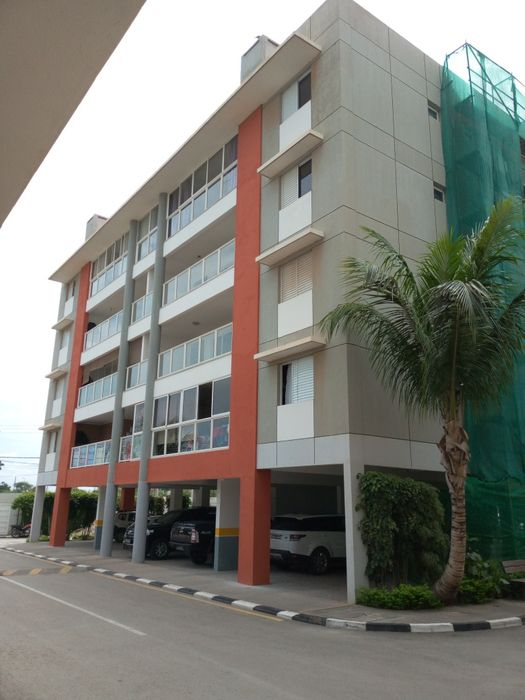 Arrendamos Apartamento T4 Mobilado Condomínio Welwitschia Benfica