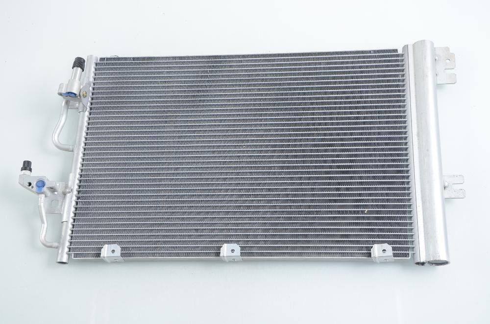 климатичен радиатор НОВ за OPEL ASTRA H (04-)/ZAFIRA B (05-)