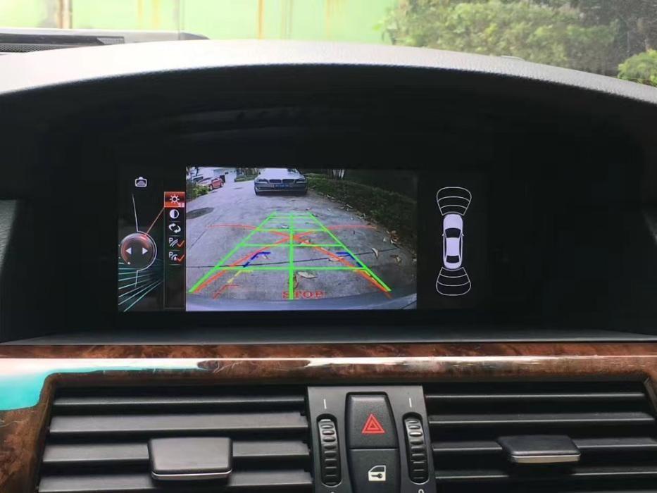 Navigatie cu android pentru BMW E60/ E61/ E63/ E64 2003-2010 + camera