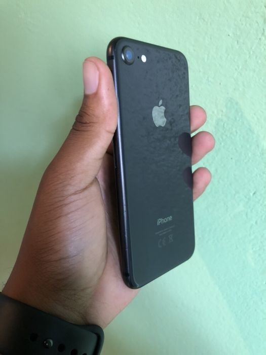 IPhone 8 64GB Space grey com Cabo