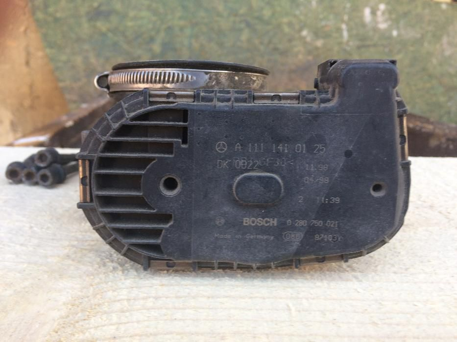 Дроселова клапа за мерцедес ц180