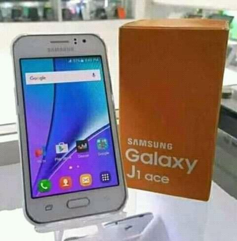 Samsung Galaxi j1 disponível