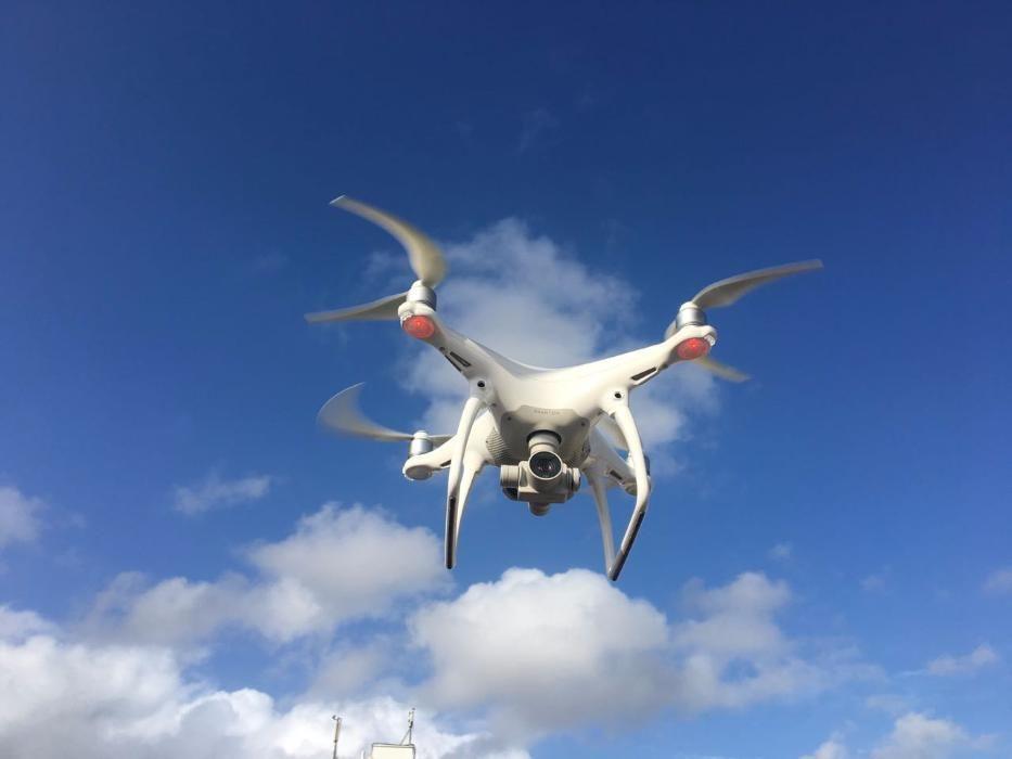 Vende Drone DJI Phantom 4