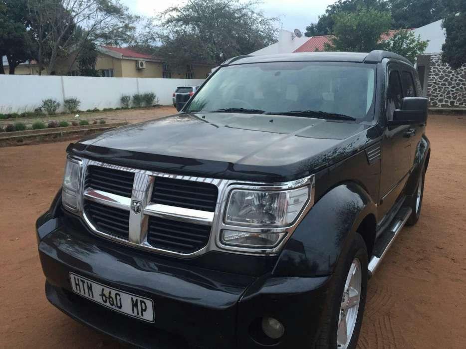 Vende se Dodge Nitro super clean a 550.000 na cidade da Matola