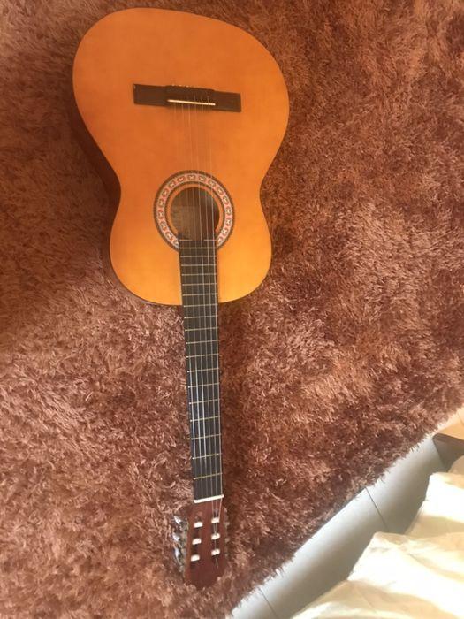 Violão acústico ( Guitarra Acústica )