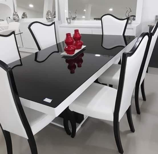Mesa e Cadeiras de luxo