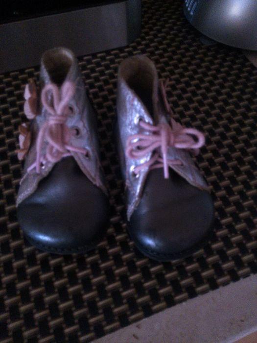 Pantofiori fetite