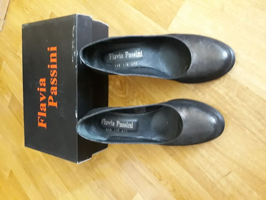 Pantofi noi piele naturală, mărimea 39, Flavia Passini.