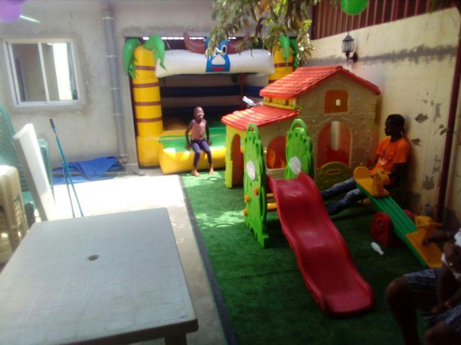 Parque infantil c/ pula pula