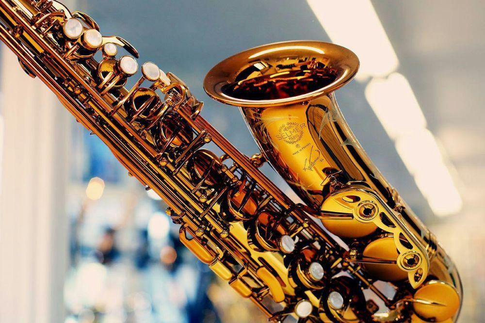 Ofer ore de saxofon