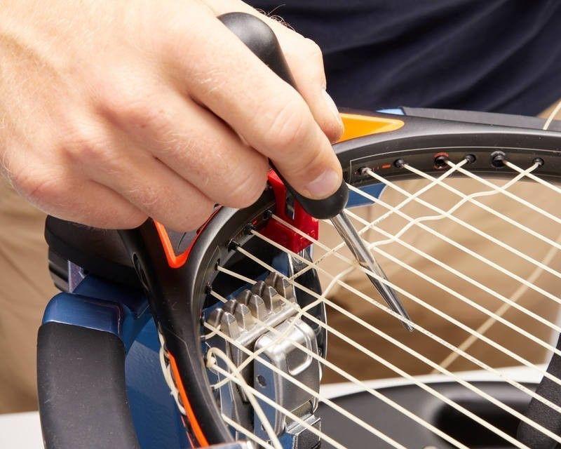 Професионално наплитане на тенис ракети