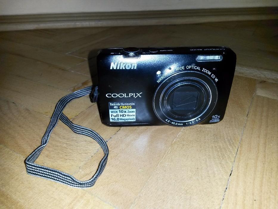 Nikon Coolpix S6300 de reparat sau pentru piese