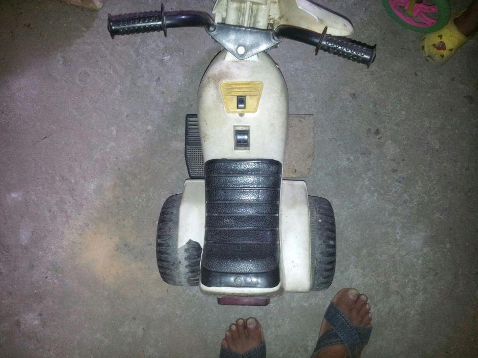 Продавам електрическо моторче