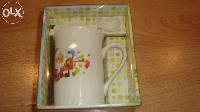Детска чаша за хранене с лъжичка - НОВИ!!!