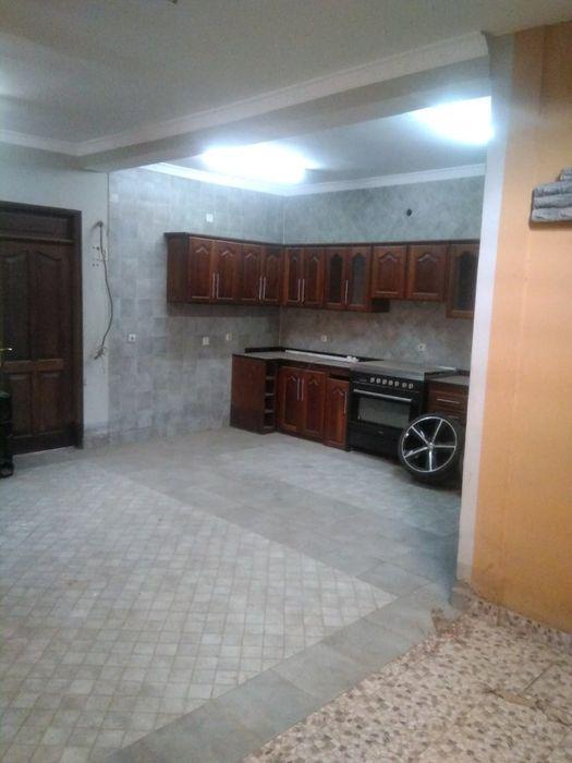 Vende se uma vivenda no bairro popular