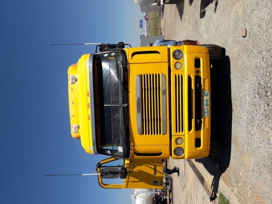 Vendo este camião na África do Sul por R500.000