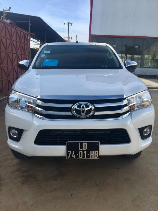Toyota Hilux manual 2018