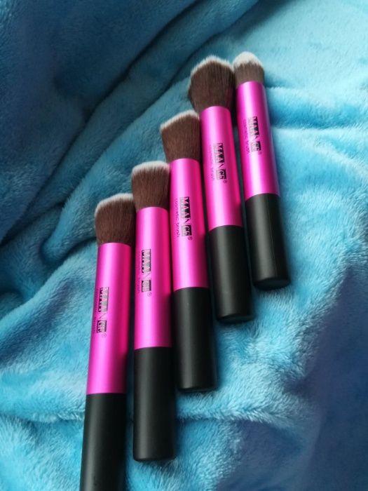 Set 5 Pensule Profesionale Machiaj / Make Up MAANGE