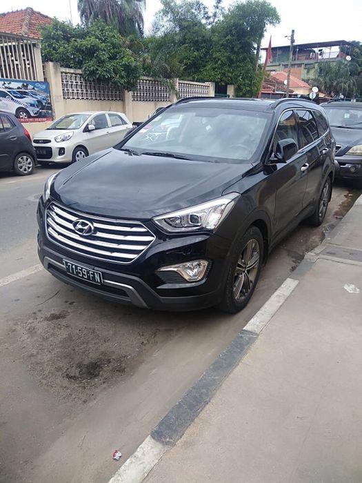 Hyundai Grande Santafe v6 impecável