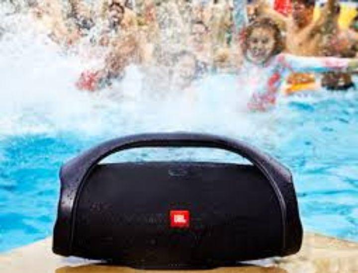 Boombox sound jbl novos na caixa e damos garantia ao nosso cliente