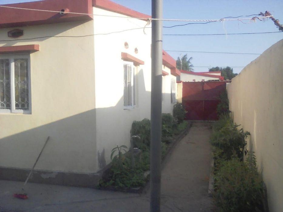 Arrenda-se Casa Independente T3, 2 WC Externas, em Mavalane