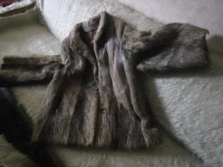 палто естествена кожа/нутрия <50 размер