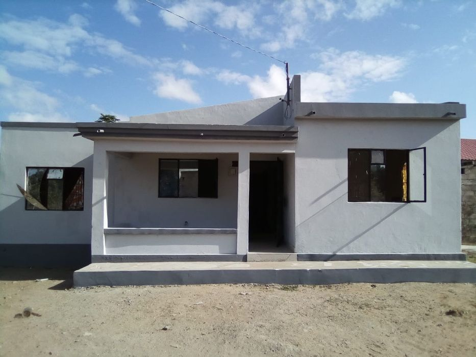 Vendo casa tipo-3 no Bairro de Intaka 1