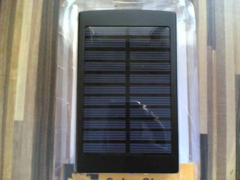соларно зарядно Power Bank за телефон таблет смарфон мп3