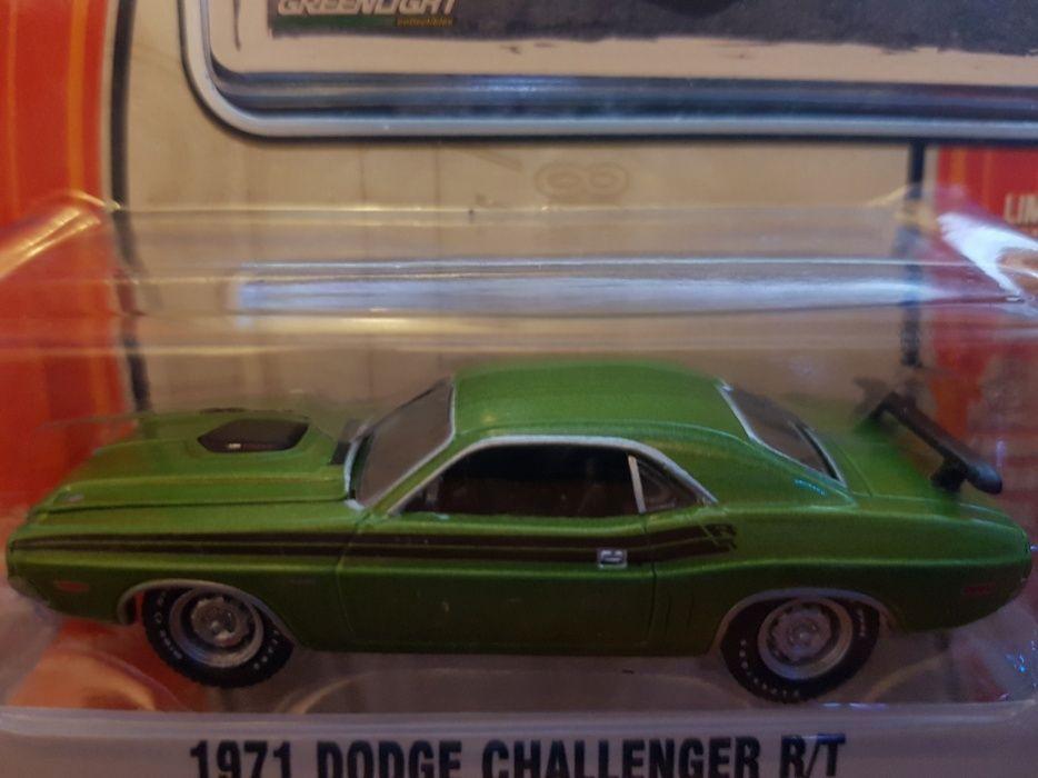 Macheta- 1971 Dodge Challenger R/T - Greenlight, scara 1/64.