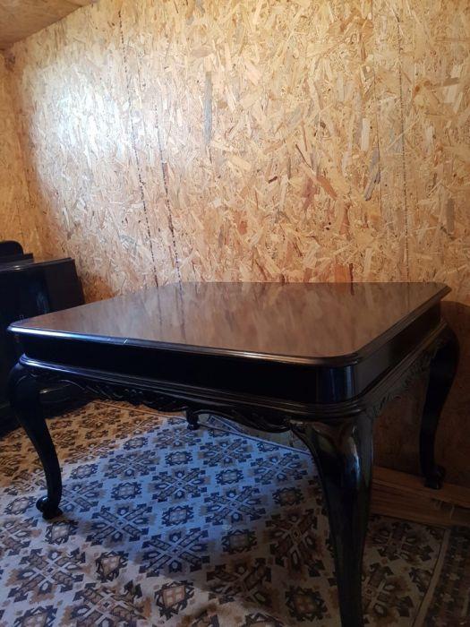 Mobila clasica neagra-eleganta, lemn masiv, recent reconditionata