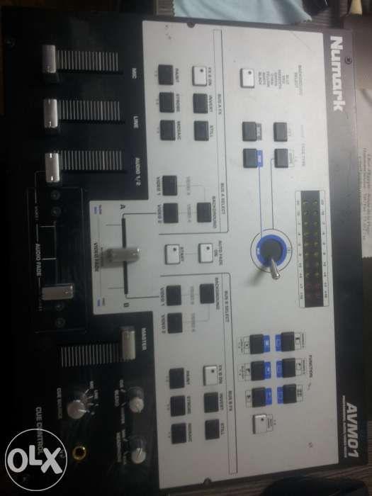 Mixer audio-video numark AVM01