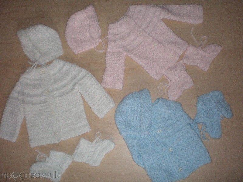 Ръчно плетени бебешки комплекти и пелени