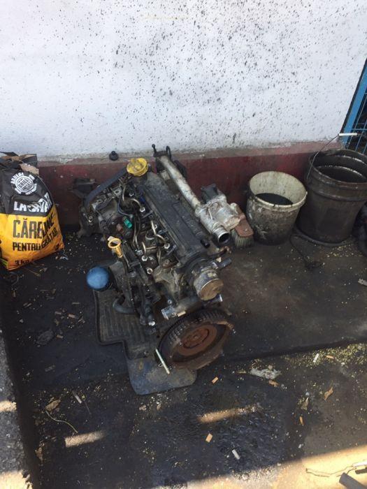 Dezmembrez motor Dacia Logan 1.5 DCI euro3