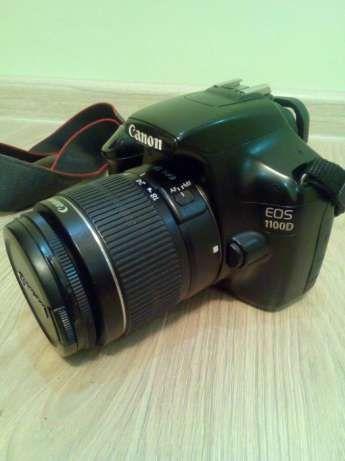 Классная зеркалка Canon 1100 (зеркальный фотоаппарат)