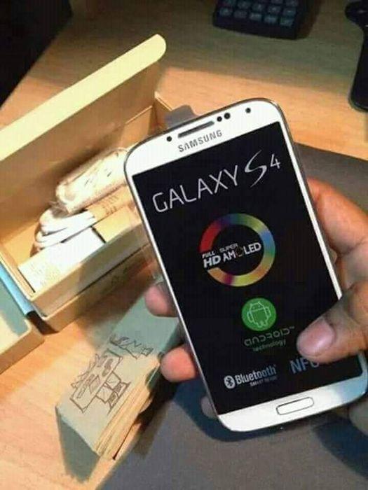 Samsung galaxy s4.original nov o