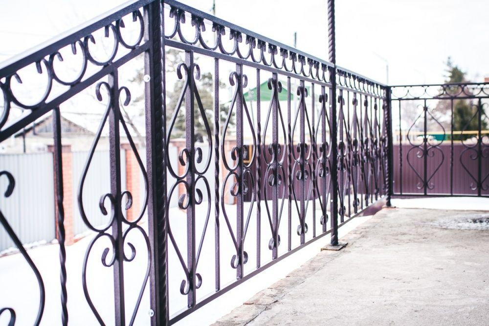 Перила, забор, ворота, решетки, двери и прочее