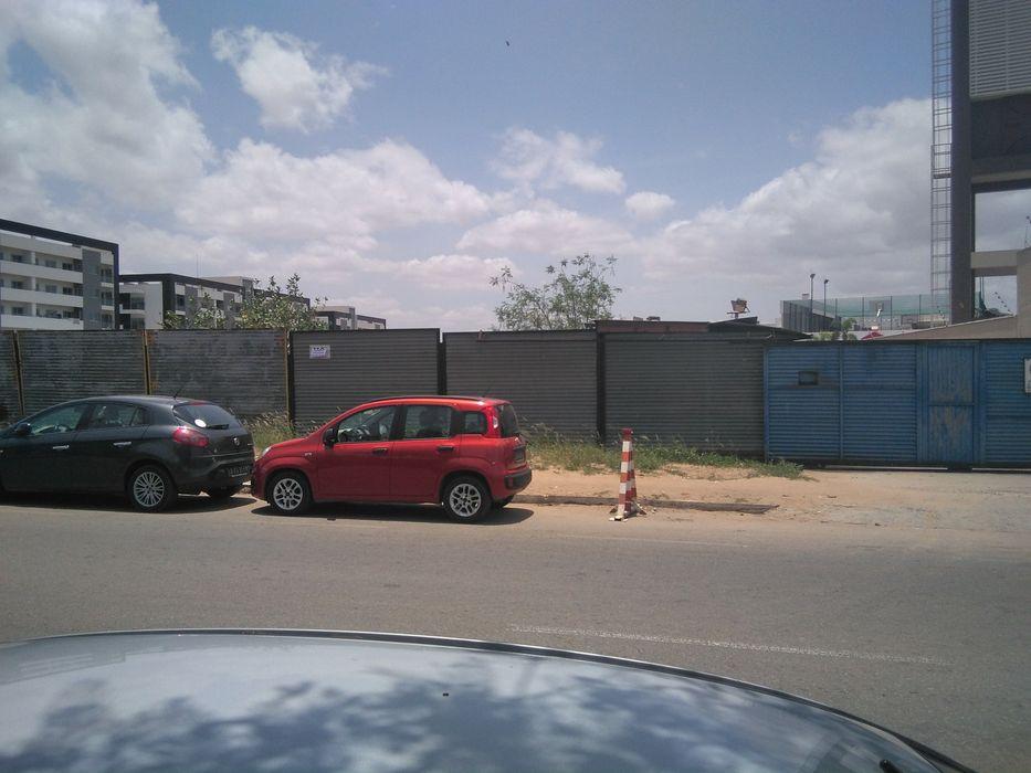 Vende-se este terreno talatona nas medições do colégio Angolano