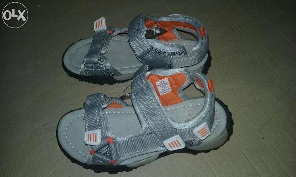 Sandale noi pentru copii, de la Next, marime 32 (20cm)