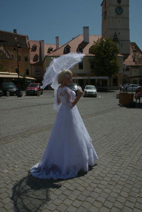 Rochie A line voal crinolina umbrela cercei pampoane masini jartea