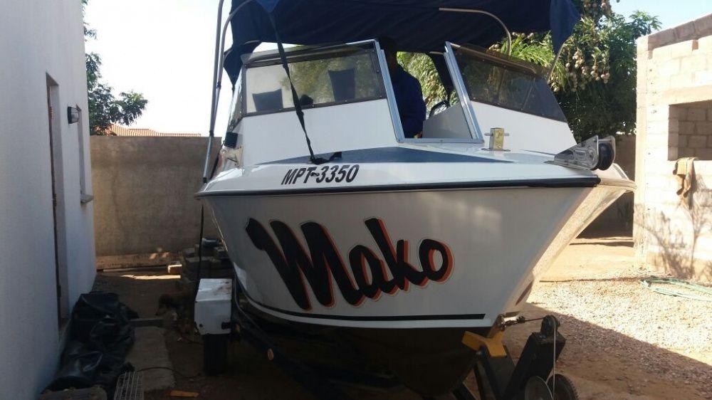 Barco | Marca: MAKO | Modelo: Marine | Comprimento: 6 metros | NOVO
