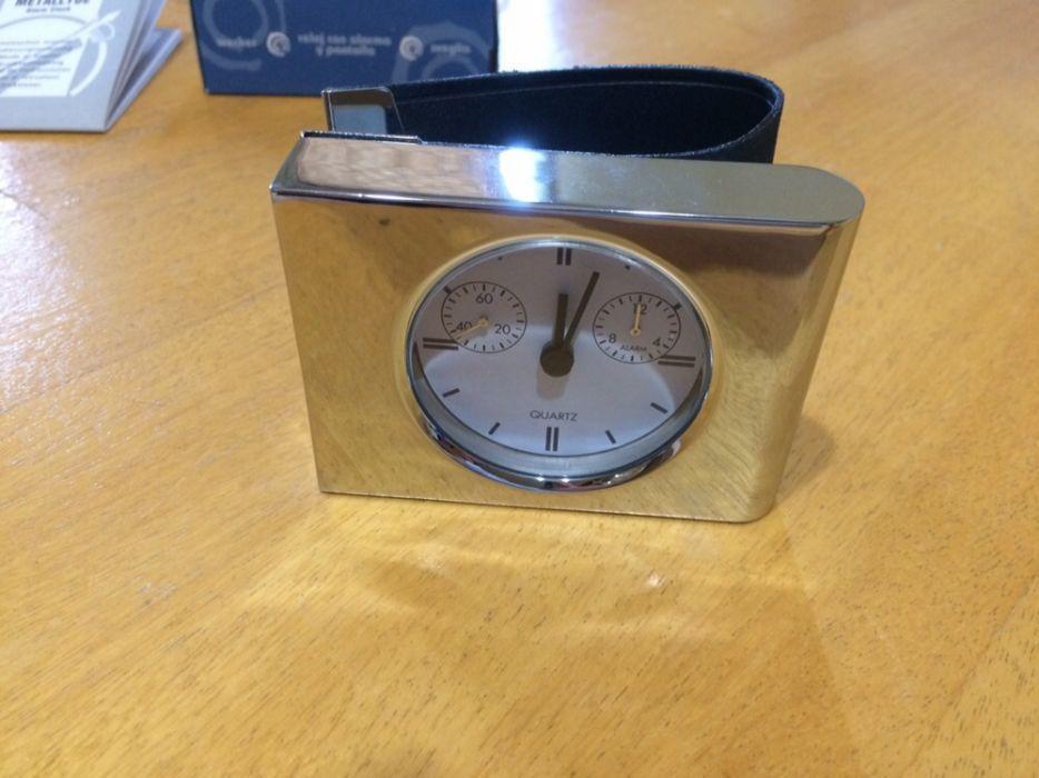Часовник с бодилник