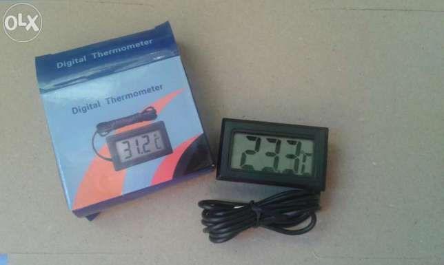 Termometru LCD cu sonda (1M cablu) pt acvariu, frigider, auto...etc