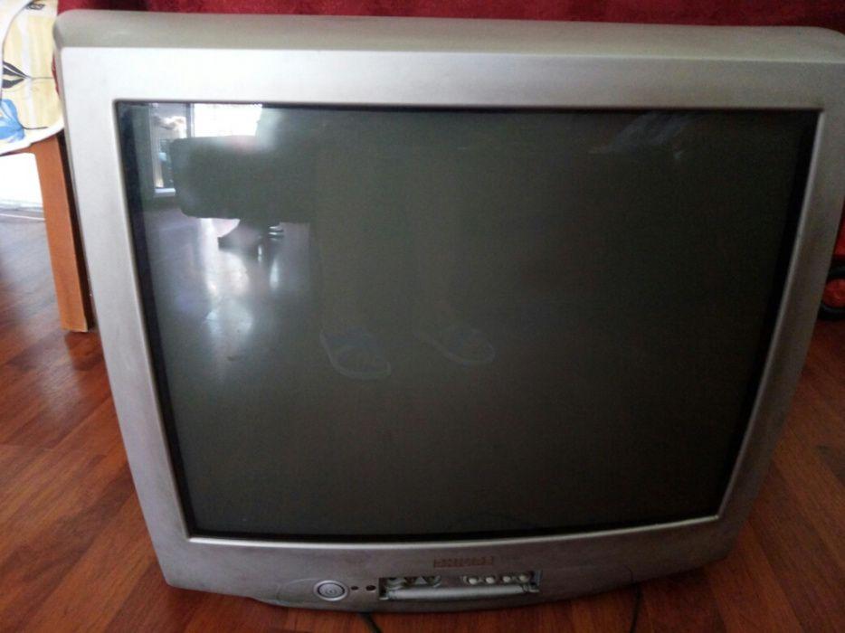 Vind Televizor color Philips pret fix