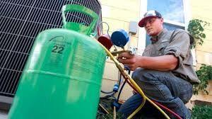 Carga de gás no ar condicionado