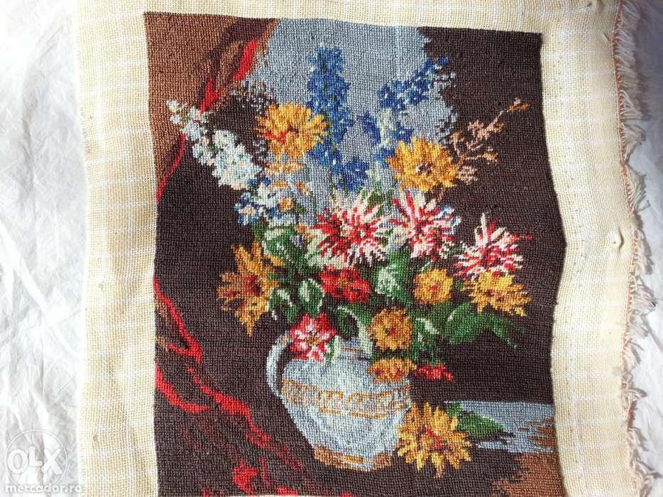 Goblen ''Vas cu crizanteme''