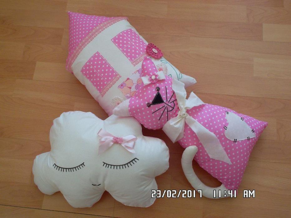 Възглавнички и кукли от текстил
